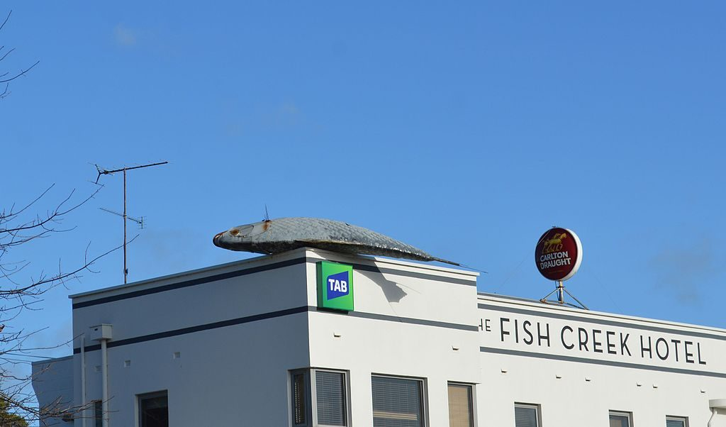 Fish Creek pub with solar fish on roof