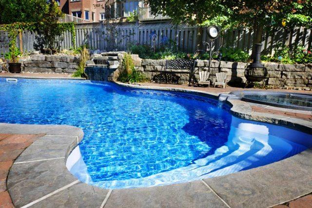 Residential pool image