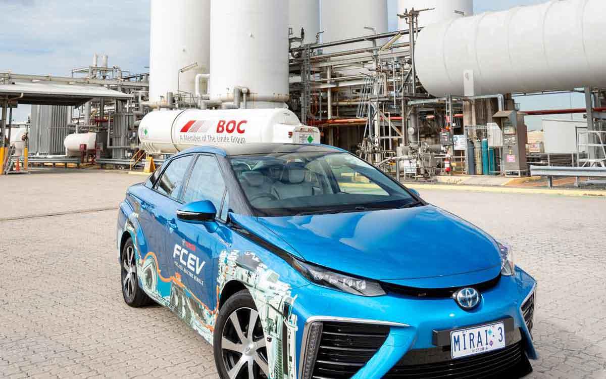 Toyota hydrogen fuel cell car